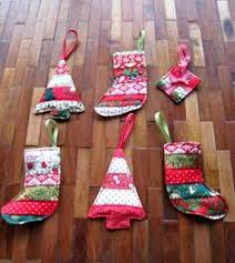 from fabric strips to quilt y tree ornaments get the tutorial