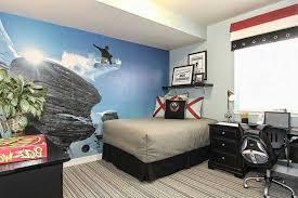 chambre surf chambre enfant surf lit chaises bureau tapis rayures
