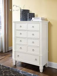 bedroom b672 in white w panel bed by ashley furniture