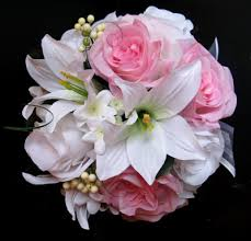 white lilly light pink white roses and dreams
