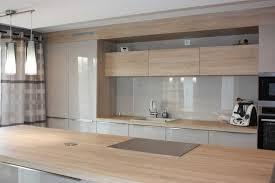 cuisine bois et blanc laqué cuisine bois et taupe clair laqua inspirations et cuisine