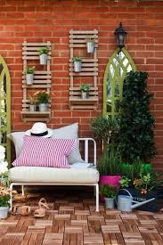 garden wall decoration ideas 1000 ideas about outside wall decor