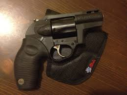 taurus model 85 protector polymer revolver 38 special p 1 75 quot 5r beat the heat with the taurus protector poly guns com