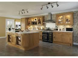 cuisine chene massif moderne impressionnant cuisine en chene moderne et cuisine chene massif