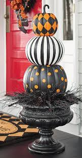 Halloween Decoration Ideas For Party by Best 25 Pumpkin Topiary Ideas On Pinterest Fall Topiaries Fake