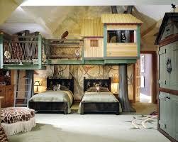 chambre enfant cabane cabane chambre garcon un lit cabane dans une chambre d enfant