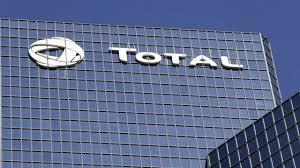 arkema siege total veut céder sa filiale d adhésifs bostik au chimiste français