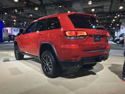 2016 jeep grand cherokee off road 2016 nyias 2017 jeep grand cherokee trailhawk lets you explore