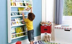 etageres chambre enfant etagere livre bebe with rangement livres enfants etagere livre