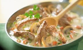 cuisiner le veau emincés de veau façon blanquette maggi
