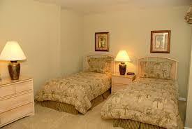 innovative small twin bedroom ideas in home decor inspiration with