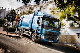 volvo 18 wheeler commercial volvo trucks launches new fl and fe video autoevolution