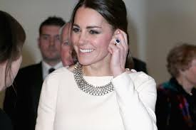 kate engagement ring kate middleton s engagement ring worth 300 000 gwyneth palrow