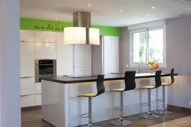 calcul debit hotte cuisine ouverte où placer la hotte cuisines et bains
