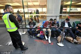 black friday apple store 2017 iphone fan camped outside sydney apple store sydney first daily