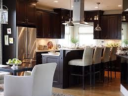 traditional interior design in a sarah richardson kitchen hello