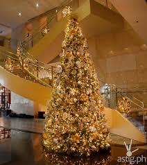marriott manila lights up 18 foot tall christmas tree astig ph