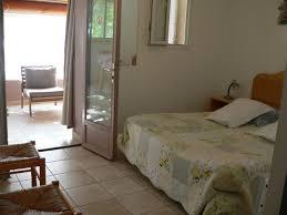 petit plat en chambre chambres d hôtes et petits appartements en luberon chez cécile