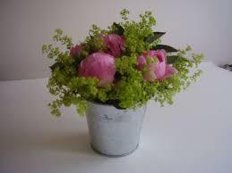 composition florale avec des roses bienvenue sur mon blog compositions florales passion fleurs