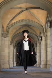 buy cap and gown of canberra graduation gowns buy uc gowns online