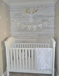 chambre en bois blanc lambris bois blanc inviter le style cagne chic a la maison