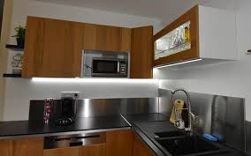eclairage de cuisine led eclairage cuisine led fabulous cuisne par bandeau lumiere plan de