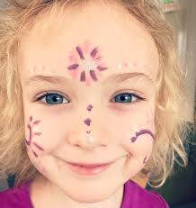 face painting with brush pens is so easy and mess free with the added bonus of no need for water or washing up sponges and brushes after