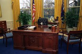 Oval Office Desk Photograph Of Socks The Cat Sitting The President S Flickr