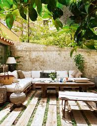 Table De Jardin En Palette by Faire Un Salon De Jardin En Palette Attic Patios And Interiors