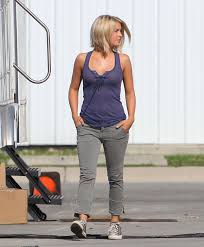 juliane hough s hair in safe haven julianne hough in purple top on the set of safe haven hawtcelebs