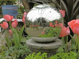 Gazing Globes Garden Globes Or Gazing Balls U2013 Learn How To Use Garden Globes