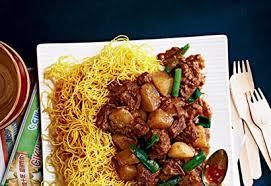 cuisine asiatique boeuf bœuf braisé à la chinoise sur nouilles cuisine asiatique