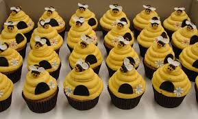 bumble bee cupcakes bumble bee beehive cupcakes beehive cupcakes bumble bees and beehive