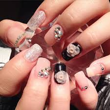 nail design trends beautify themselves with sweet nails