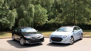 toyota camry hybrid vs hyundai sonata hybrid 2012 toyota camry vs 2012 hyundai sonata hybrid comparison