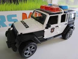 police jeep toy jeep wrangler unlimited rubicon police avec policier 02526