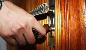 lexus locksmith toronto locked out of house beware of the 24 hour locksmith scam scam