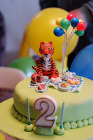 the tiger who came to tea cute cake idea for little whose