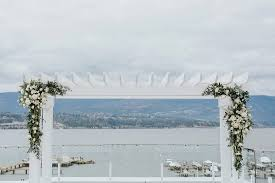 wedding arch kelowna kelowna lakeside wedding jonathan barnett photography
