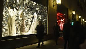 what bergdorf goodman s window display sa e fortune