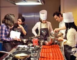 cours de cuisine evjf j ai testé un cours de cuisine spécial enterrement de vie de