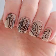 henna tattoo inspired nails nailed it pinterest hennas