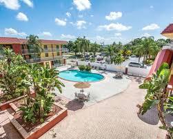 Blind Pass Resort Poolcourtyard1 Jpg