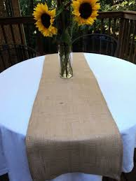 how to make burlap table runners for round tables h i don t care for table runners on round tables m burlap runners