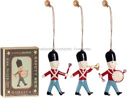 maileg christmas decoration 3 metal soldiers in a box