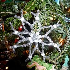 pipe cleaner snowflake ornament also try in to look like