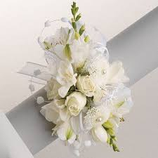 wrist corsage supplies 531 best wrist corsage images on prom flowers wrist