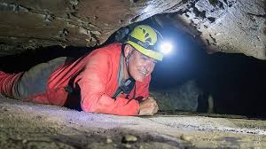 famille bureau speleologie grotte siech famille bureau guides ariege pyrenees 2