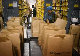 Amazon Is Hiring 5 000 Amazon And Walmart Are Hiring But How Good Are These Jobs Cbs News