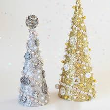 Arts And Crafts Christmas Tree - glitter and glam christmas tree tutorial at ilovetocreate
